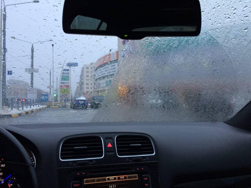 Антидождь для лобового стекла: нужен или нет | CarDetailLab. Блог о  детейлинге