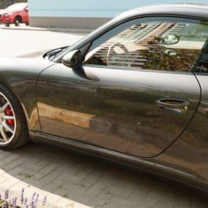 Автомобиль по защитным покрытием