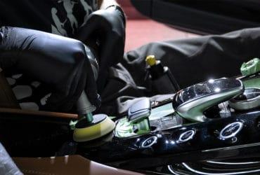 удаление царапин в салоне авто