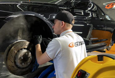 чистка тормозных колодок в BMW
