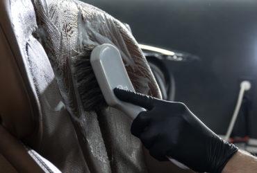 чистка автомобильных сидений
