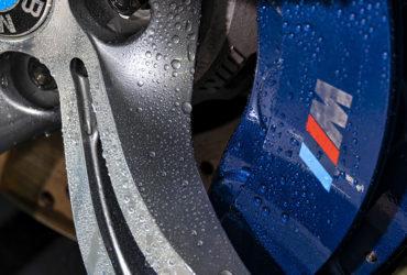 капли воды на дисках авто
