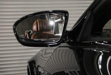чистка автомобильных зеркал