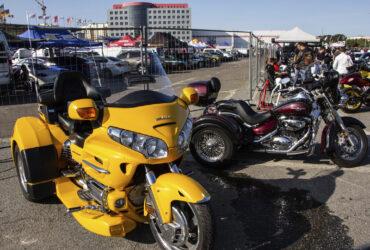 желтый гоночный мотоцикл