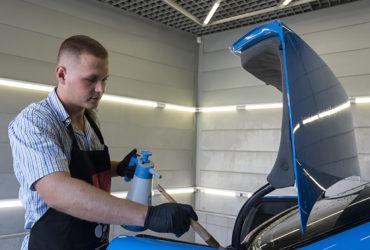 чистка резиновых уплотнителей багажника