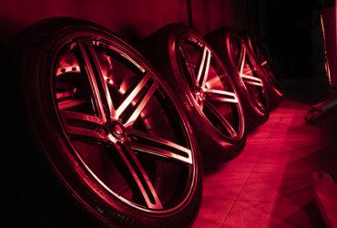 автомобильные диски под ИК-лампами