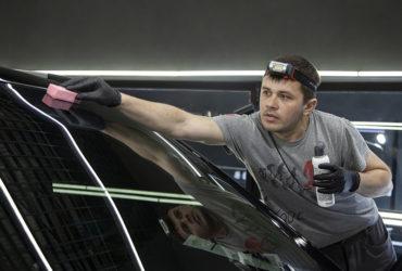 налобный фонарь Scangrip для нанесения защитных составов на авто