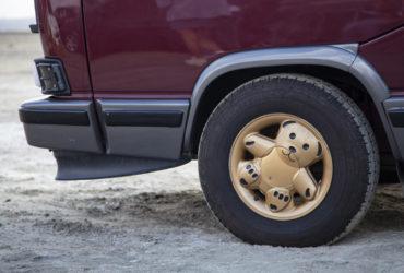 стайлинг автомобильных дисков в виде мишек