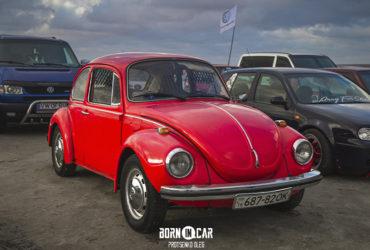 красный Volkswagen