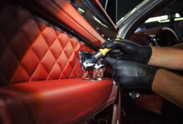 красный кожаный салон Bentley Bentayga