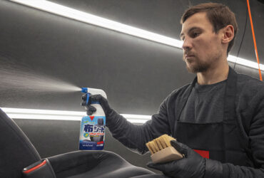 средство Fabric Seat &Mat Cleaner для дезинфекции салона авто