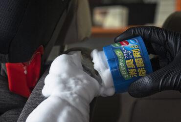 чистка автокресел средством New Fabric Seat Cleaner